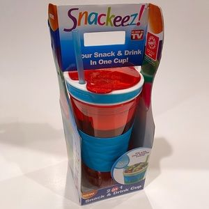 NEW Snackeez Blue & Red 2 in 1 Snack & Drink Cup